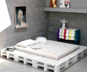 cama hecha con palets reciclados